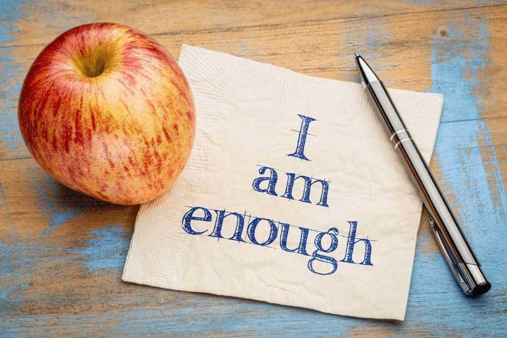 """Positive Affirmationen Apfel mit Stift und Serviette mit Aufschrift """"Ich bin gut genug"""""""